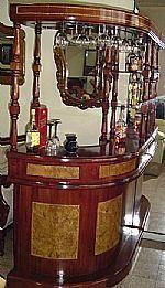 Bar curvo muebles finos for Bar madera esquinero