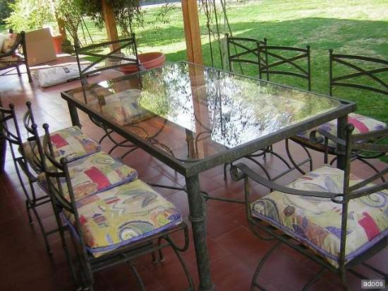 Juego de terraza en metal fierro for Comedores de terraza chile