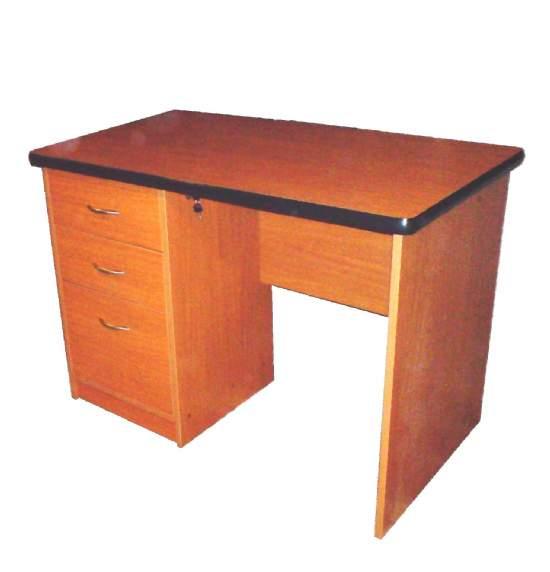 Escritorios muebles estantes for Dimensiones mesa escritorio