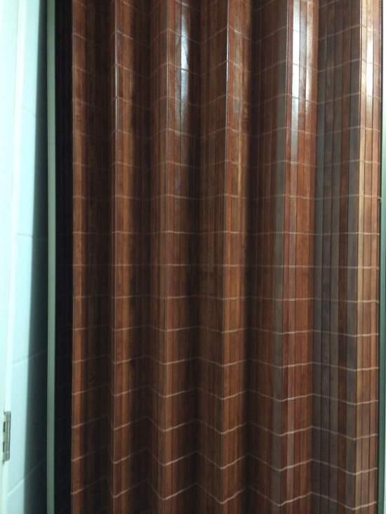 Cortina de madera cortinas madera for Cortinas para puertas exteriores ikea