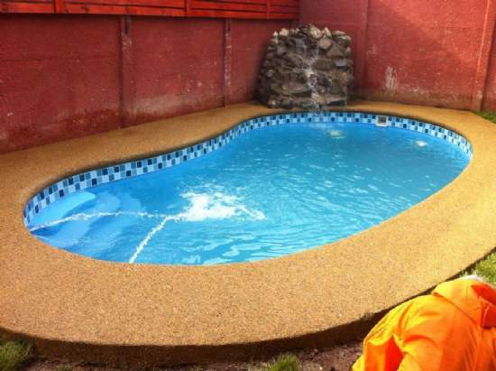 Piscineria venta piscinas de for Compra de piscinas