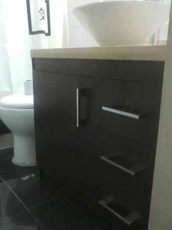 Vanitorio proyecto almirante for Herrajes para muebles de bano
