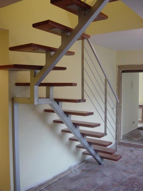 Cosant ltda construccion de casas ampliaciones for Escaleras interiores de hierro