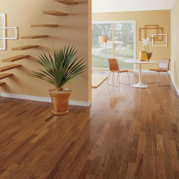Servicios profesionales en for Piso laminado de madera