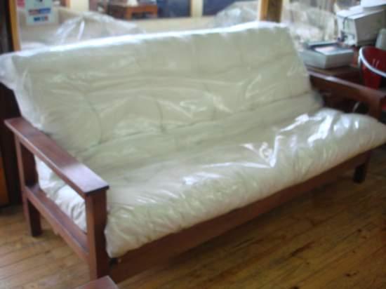 Que lindo c mo decorar con futones for Ofertas de futones