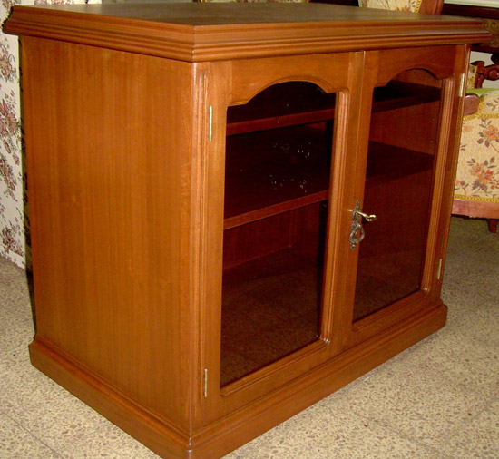 Rack modelo muebles finos for Modelos de muebles de madera