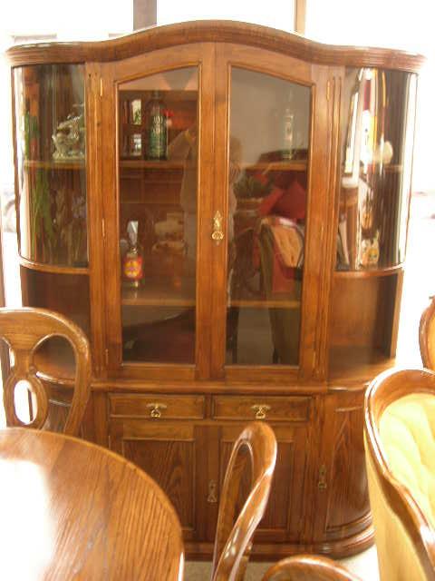 Muebles finos madera repizas for Vitrinas de madera para comedor